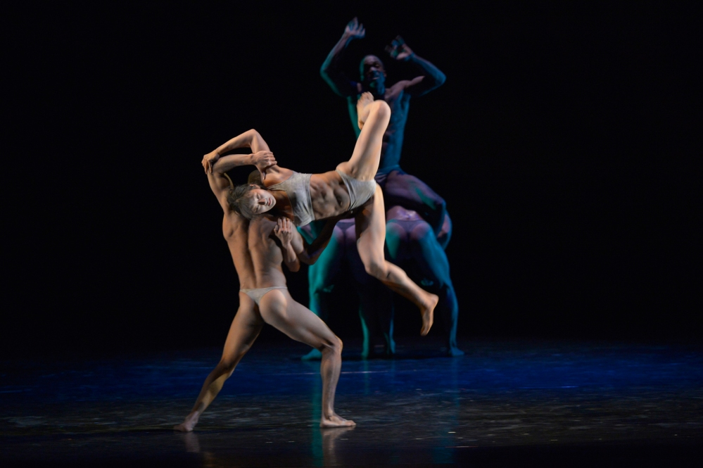 Celebrity Series of Boston 1807-Pilobolus-pc-Grant_Halverson