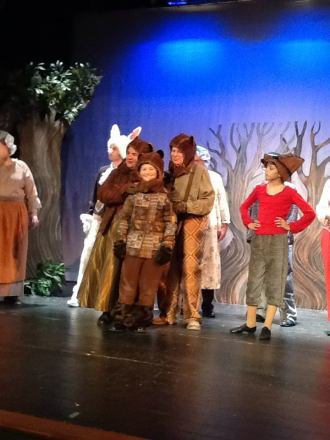 Katie Duff as Mama Bear, Joel Leonard as Papa Bear, and Nolan McHugh as Baby Bear Photo courtesy of Pat Sherman/Hingham Civic Music Theatre
