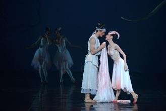 Zhu Jiejing and Wang Jiajun Photo courtesy of China Arts and Entertainment's Image China