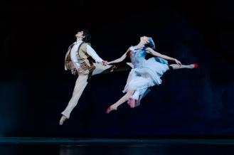 Zhu Jiejing and Wang Jiajun dance Photo courtesy of China Arts and Entertainment's Image China