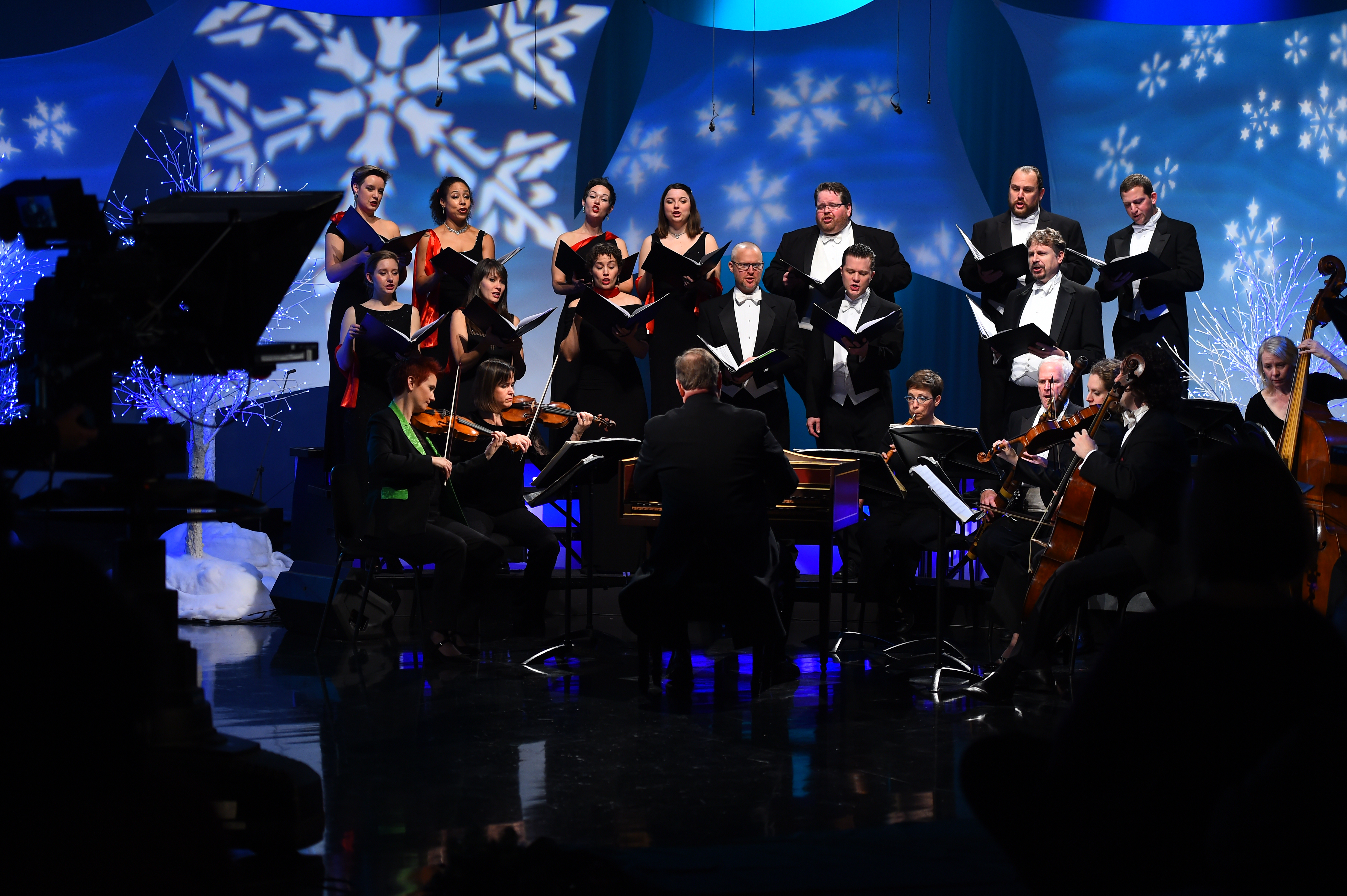 Handel and Haydn orchestra and chorus perform on Tis the Night (Meredith Nierman - WGBH)2