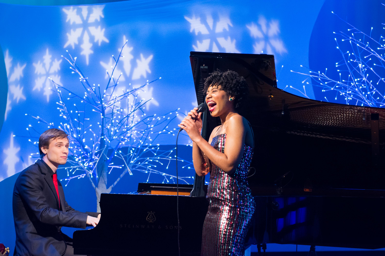 vocalist Darynn Dean and pianist Matthew Thomson perform Jingle Bells on Tis the Night (Sam Brewer - WGBH)2