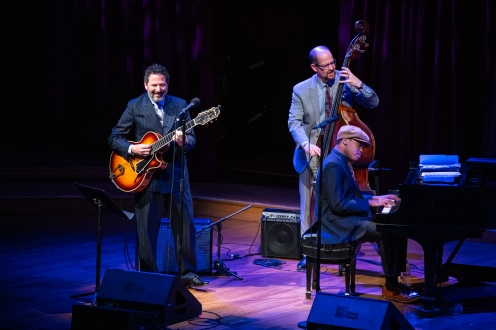 John Pizzarelli Trio with John Pizzarelli, bassist Mike Karn and pianist Isaiah Thompson Photo credit: Robert Torres